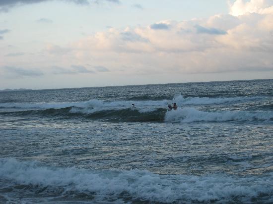 the-beach-ocean-big-waves