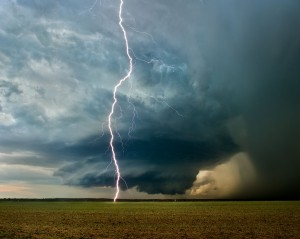 August 17, 2009: The Watonga supercell, rotating wall cloud/updraft base, cloud to ground lighting, Oklahoma