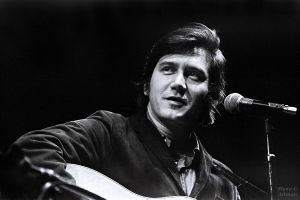 Phil Ochs, Berkeley, CA April 1969 sheet 272 frame 11-12